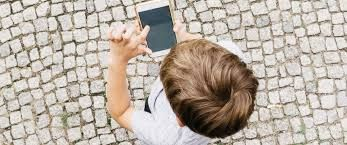 5 Things to Consider Before Buying Your Child a Smartphone for Christmas!